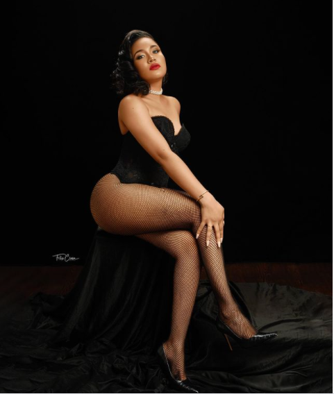 Former Beauty Queen, Anna Banner shares romantic photos to celebrate her 26th birthday